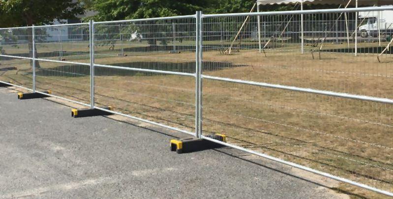 Et standard byggeplads hegn